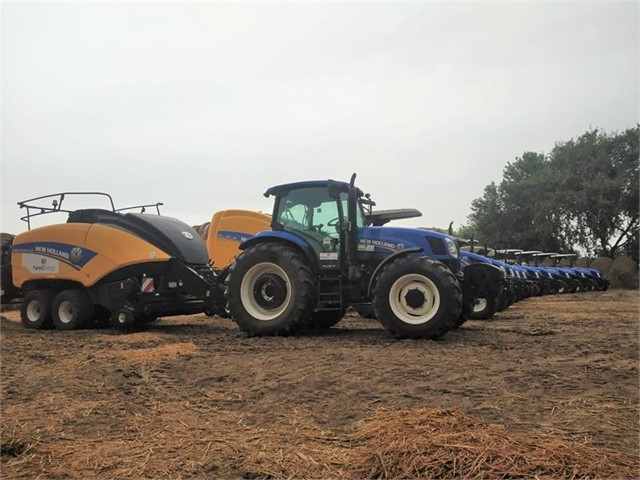 New Holland Agriculture delivers the first BigBaler 890 Plus and Roll-Belt 180, the biggest balers in India