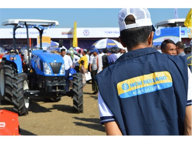 New Holland demonstrates multi-crop combine and tractors at first Agritechnica Asia Live exhibition