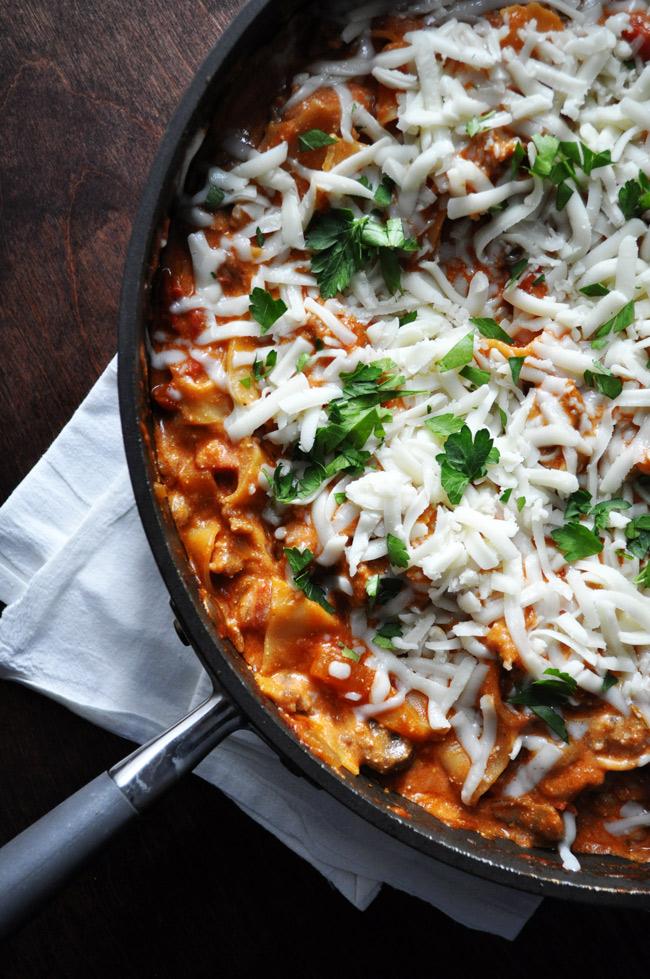 Easy Cheesy Skillet Lasagna | farmgirlgourmet.com #lasagna #weeknightmeal #dinnerinunder30