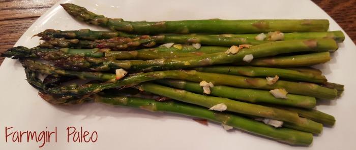 Paleo Roasted Garlic Asparagus