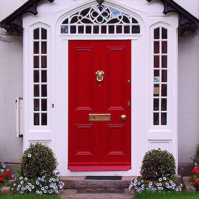 Red home door (Irland).