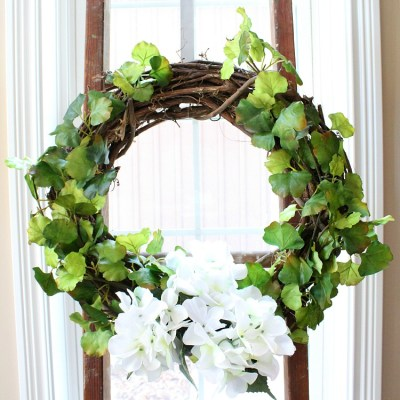DIY Spring Wreath Hydrangea & Vines