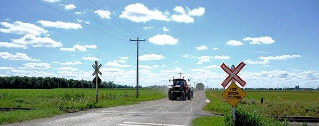 railway-crossing-lake-FARMSTAY ONTARIO CANADA