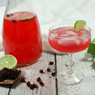 Semi-sweet + a little tart + a lot bubbly, this Non-Alcoholic & Whole30 Pomegranate Lime Sparkler uses fresh fruit juices and homemade sparkling water. #NYE goals!