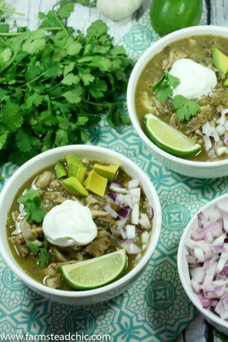 This Instant Pot Paleo and Whole30 White Chicken Chili is dairy-free and a deliciously flavorful one-pot dinner, featuring organic free-range chicken, fire-roasted chiles, sweet yellow onion, and spicy jalapeños with fresh garlic and flavorful + nutritious cumin, coriander and oregano.