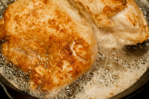 Fried Chicken and Skillet Gravy from Farmwife Feeds is just like Grandma's Sunday Dinner #recipe #castiron #chicken #friedchicken