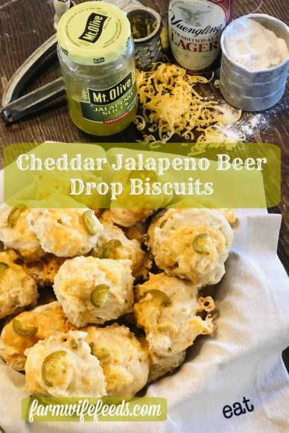 Cheddar Jalapeno Beer Drop Biscuits from Farmwife Feeds are a super simple 4 ingredient bread that works as an appetizer or quick bread for dinners. #dropbiscuits #bread #homemade