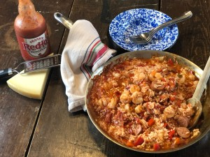 Sausage and Shrimp Red Rice from Farmwife Feeds is an easy southern dish that makes meal time easy. #sausage #rice #shrimp