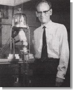 Philo T Farnsworth with the Fusor
