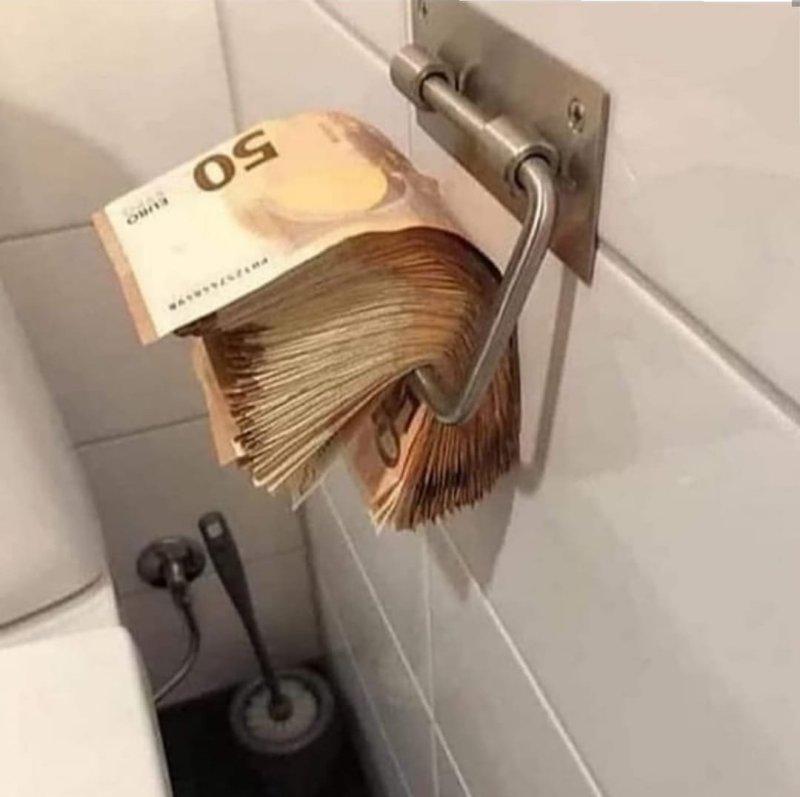 Memes para usar durante a quarentena - Blog Farofeiros - Dinheiro higiênico