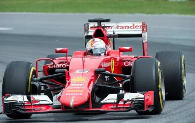 Vettel deu show. Largando de 18º, ganhou 13 posições na pista e terminou em quinto (AP)