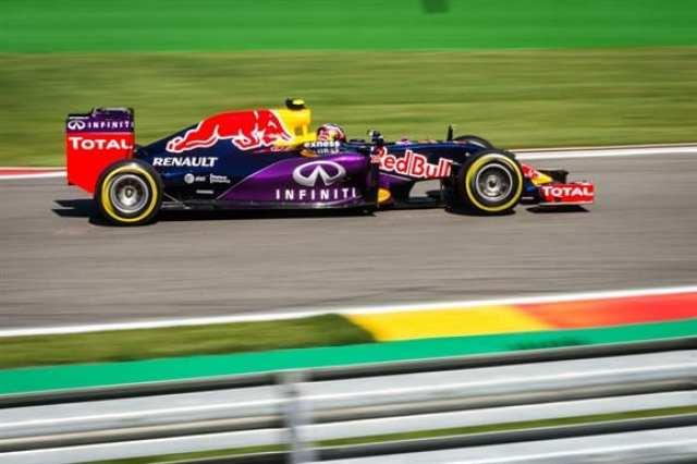 Daniil Kvyat (foto) andou forte e conquistou um bom quarto lugar. Perez