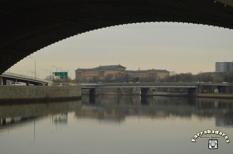 Philadelphia - Museu de Arte visto a partir do parque a beira do Rio Schuylkill