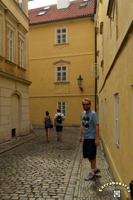 Rafa em Praga, no charmoso bairro de Mala Strana