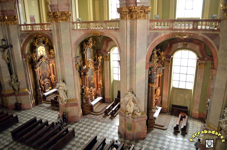 Interior da Catedral de São Nicolau em Praga