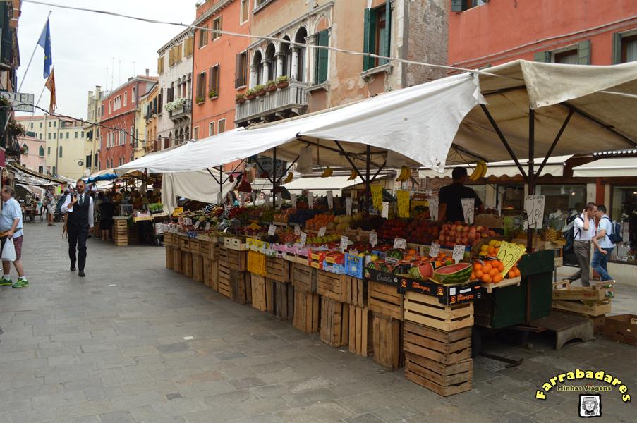 Veneza - feira em Cannareggio