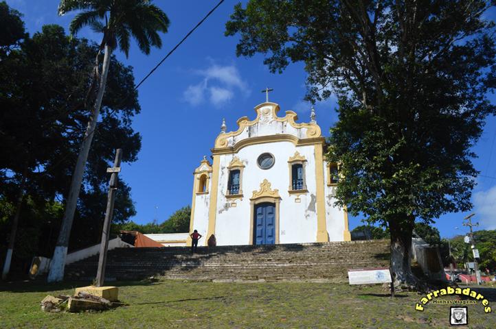 Igreja no centro histórico de Noronha - Vila dos Remédios