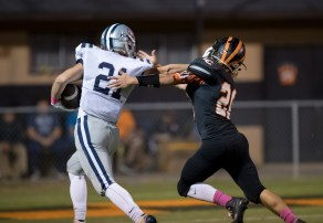 Grayson Utterback races to the end-zone for a TD against Lenoir City on 10/14. PHOTO CREDIT: Carlos Reveiz, CRFOTO.com