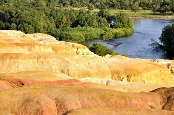 Land contrast at Xinjiang's Wucaitan, Five Coloured Hills