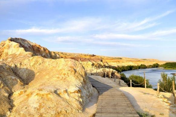 A wooden tourist path along Xinjiang's Rainbow Beach, Wucaitan
