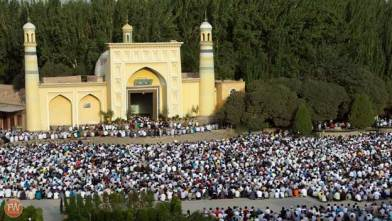Prayers at Id Kah in Kashgar HD Wallpaper Download