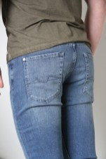 foolproof-denim-seven-7-for-all-mankind-jeans-outfit-3