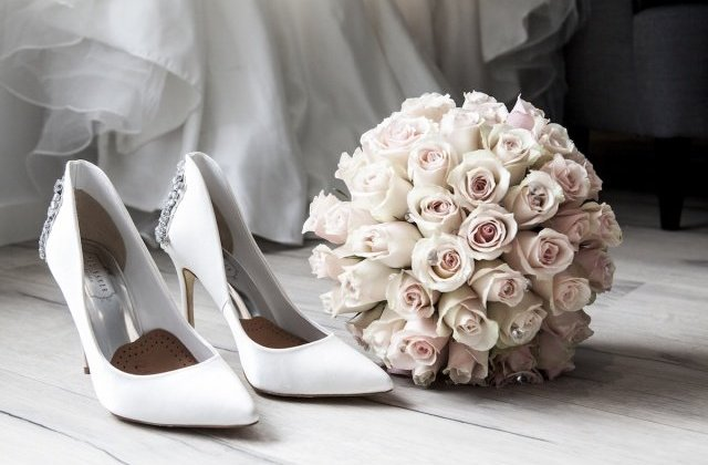 400415e07804 Der schönste Tag im Leben darf nicht auf wackligen Beinen beschritten  werden. Umso wichtiger ist es, ein passendes Schuhwerk zu wählen.
