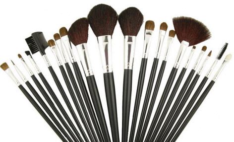 Tricks of the Trade: Top Tips On Caring For Your Makeup Brushes