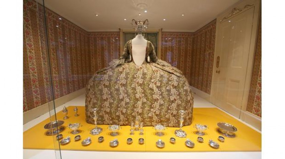 Top 10 museums fashion textile museums for Museum of fashion nyc