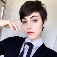 Savoir Faere Short Hairstyles - 6