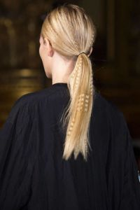 54bc27ebee03a_-_ay-hair-trends-loose-long-waves-mccartney-clpr-rs15-7638-lg
