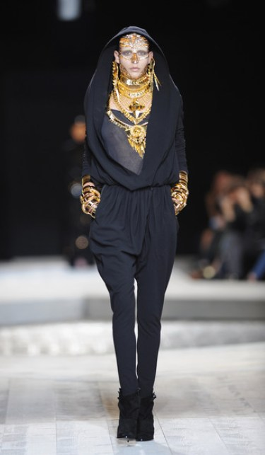 Givenchy fall haute couture 2010 10 3