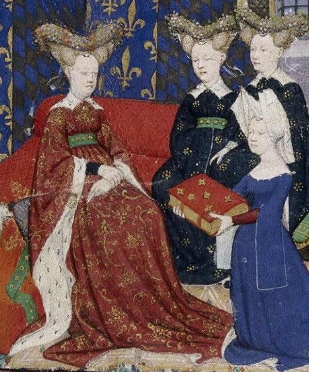 Pintura de Cristina de Pisano vestida com traje gótico ajoelhada apresentando o seu livro à rainha da França Isabel da Baviera acompanhada de outras duas mulheres