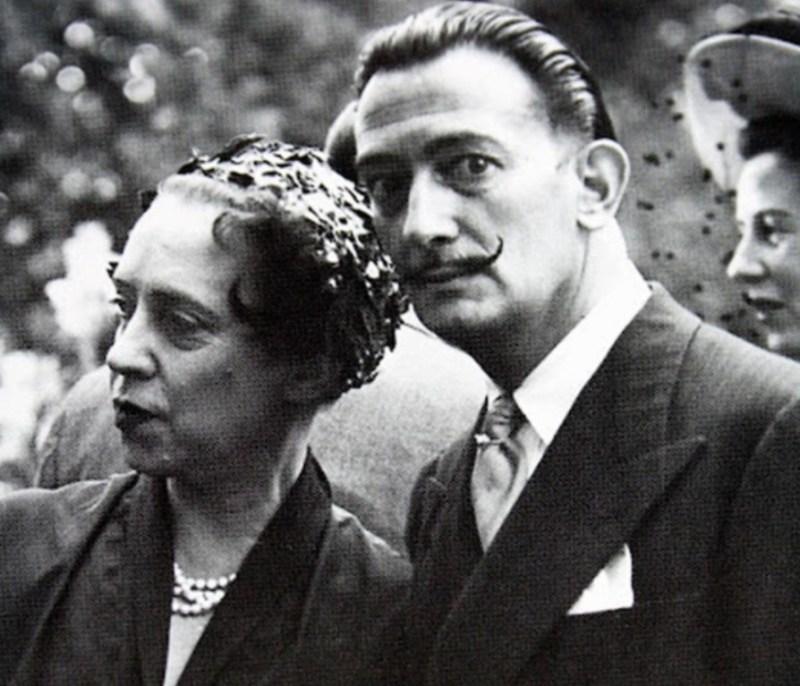 Elsa Schiaparelli e Salvador Dalí.
