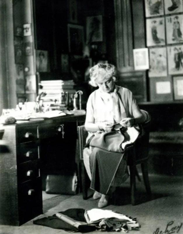 Madeleine Vionnet em seu ateliê.