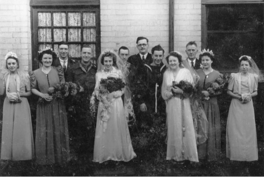 Duplo casamento durante a Segunda Guerra Mundial.
