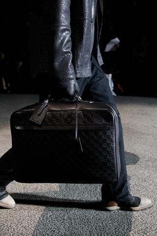 fashionb louis vuitton men bags fall 2011 (18)