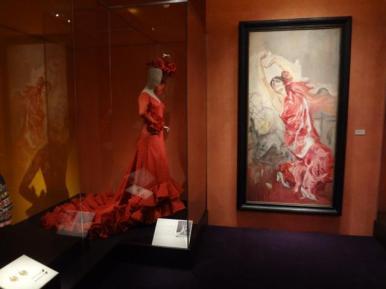 Glory of Spanish Dress (12)