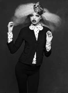 The Little Black Jacket de Chanel revivida por Karl Lagerfeld 2
