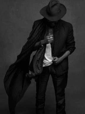 The Little Black Jacket de Chanel revivida por Karl Lagerfeld 3256412558