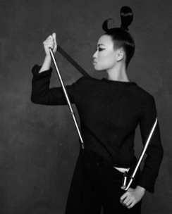 The Little Black Jacket de Chanel revivida por Karl Lagerfeld 652145865