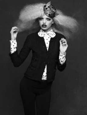 The Little Black Jacket de Chanel revivida por Karl Lagerfeld 69568