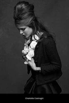 The Little Black Jacket de Chanel revivida por Karl Lagerfeld 696