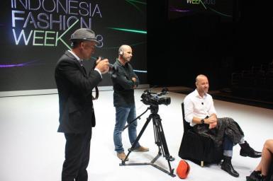 Samuel Cirnansck foi o único brasileiro convidado para desfilar neste ano na Indonésia Fashion Week1