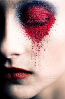 15-Scary-Halloween-Zombie-Eye-Make-Up-Looks-Ideas-For-Girls-2014-6