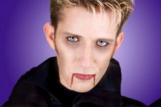 188520-325x216-Vampire-Makeup-for-Man