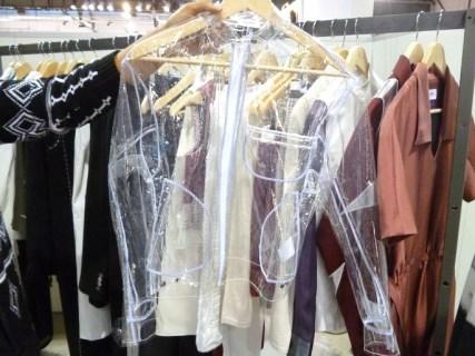 Jaqueta de plástico marca Lantern Sense