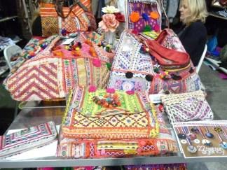 Estilo boho peruano em bolsas e acessórios