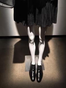 As referências masculinas também aparecem nos sapatos. Esta tendência é a mais fashionista entre os acessórios