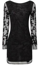 Vestido preto com mangas em renda Renner 2016